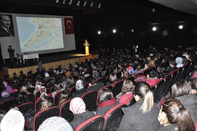 Önder'den Öğrencilere Çanakkale Konferansı