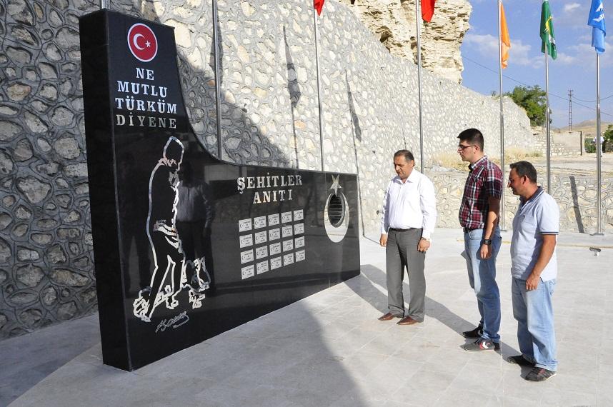 """""""YENİ ŞEHİTLİK ANITIMIZ İLÇEMİZE HAYIRLI OLSUN"""