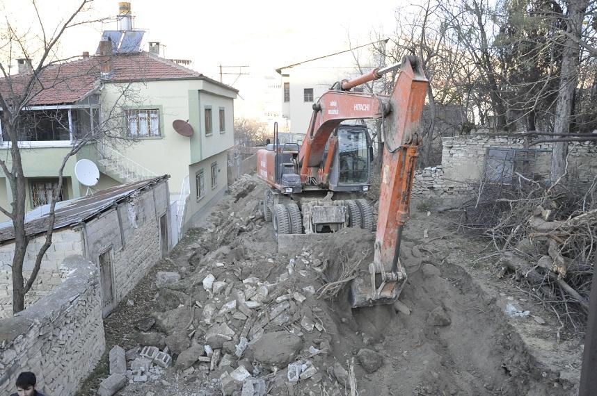 ŞUBE SOKAK YENİ YOLUNA KAVUŞUYOR