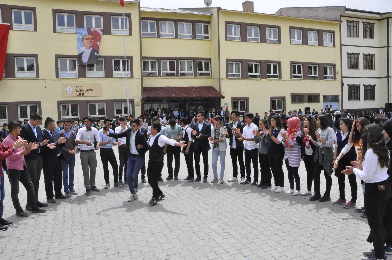 19 MAYIS ATATÜRK'Ü ANMA GENÇLİK VE SPOR BAYRAMI COŞKUYLA KUTLANDI