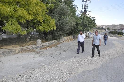 ÇAYBOYU MAHALLE MEZARLIĞI PERDE BETONLARLA ÇEVRİLİYOR
